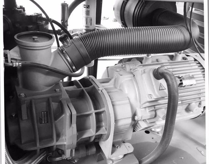 双螺杆水润滑无油空压机VS微油螺杆式空压机